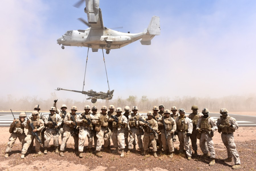 M777 Howitzer airlifted for first time by Marine Corps Osprey in the field in Australia